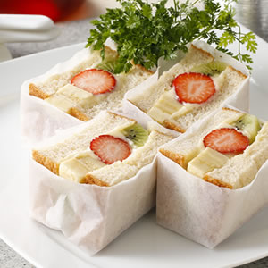 No 7 allergenic ingredients. Fruit Sandwich.
