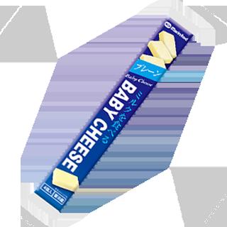 ミルクを食べるベビーチーズ