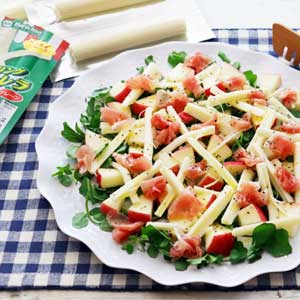 リンゴとモッツァレラの地中海風サラダ