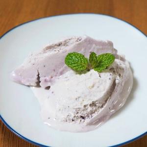 クリームチーズ入りブルーベリーアイス