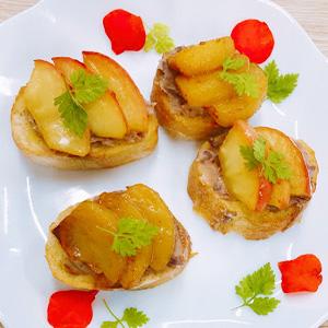 りんごと柿のクリームチーズあんのフレンチトースト